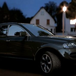 اموزش نورپردازی و رندر ماشین Lighting a Car with V-Ray in Maya