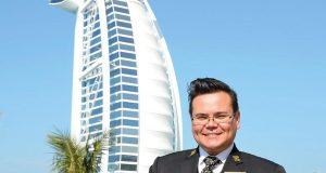 دانلود رایگان فیلم معماری : مستند شاهکارهای معماری جهان The Billion Pound Hotel Burj Al Arab